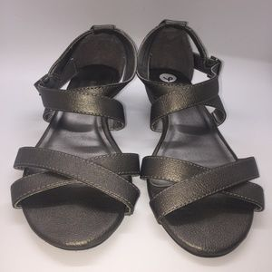 Merona Sandals Dark Grey with Metallic Sheen 6M